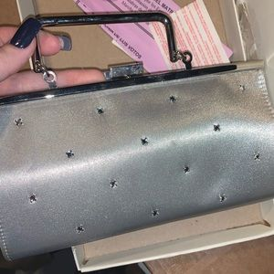 Silver clutch. Heals woman 8.5 Sam & Libby.